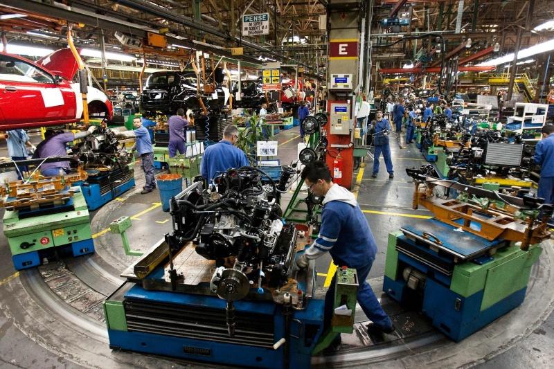 Ford fecha fábricas e encerra produção de veículos no País