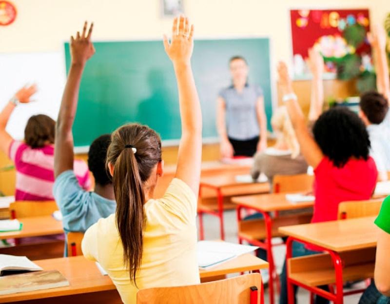 Governo estadual paga R$ 350 mi de bônus para servidores da Educação