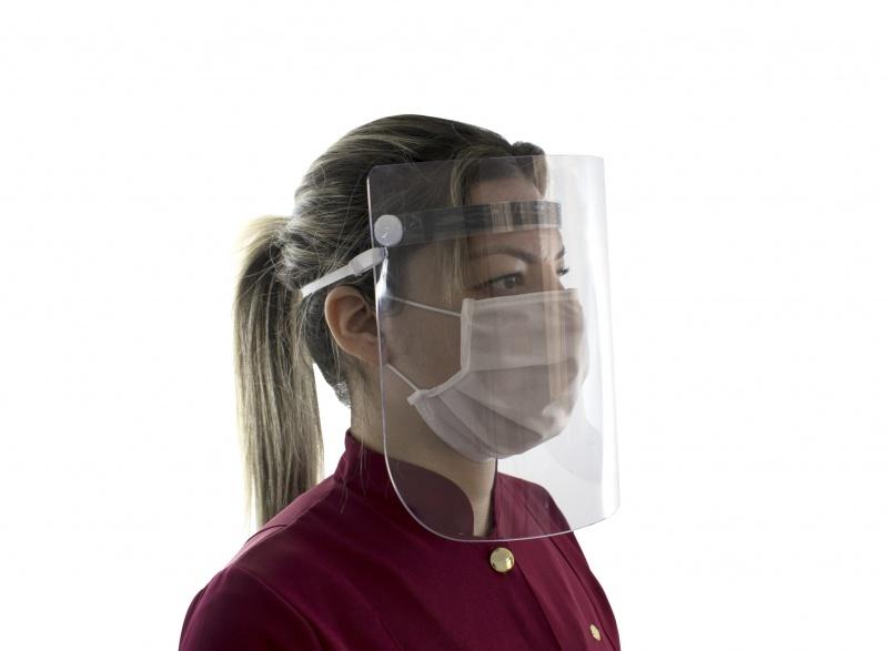 Óculos, ou máscaras com visor reduzem em 3 vezes chance de contrair covid